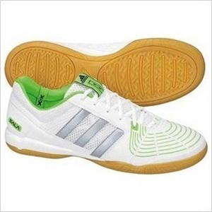 adidas室内足球鞋
