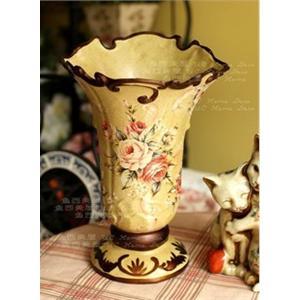 美丽高贵的欧式古典花边口花瓶